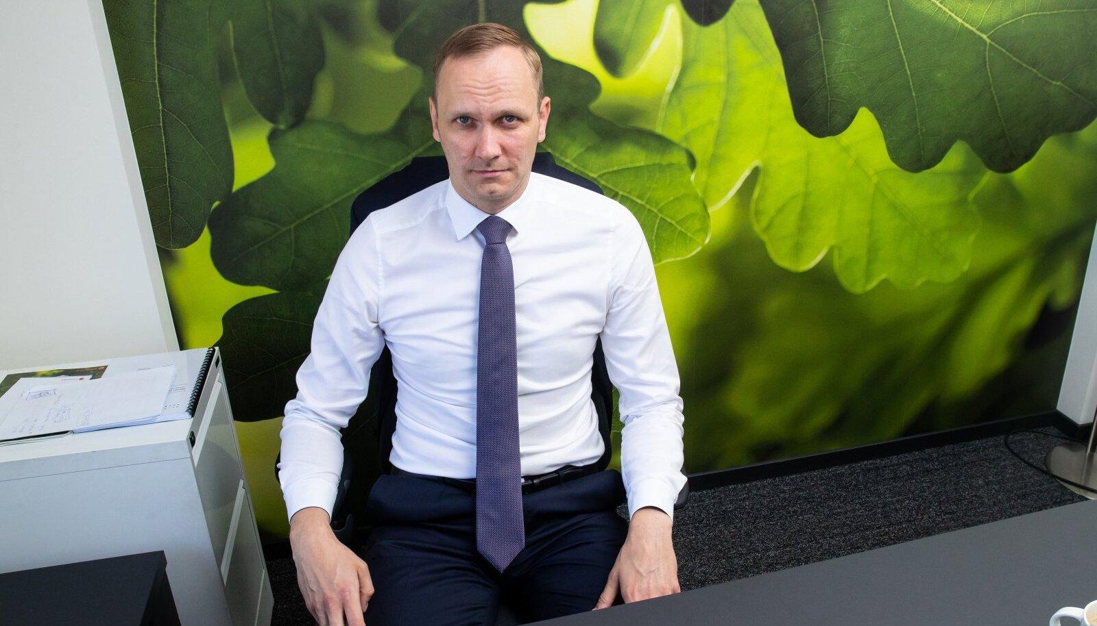 Olavi Lepp lükkab tagasi kõik jutud Swedbanki Balti äride müügist.