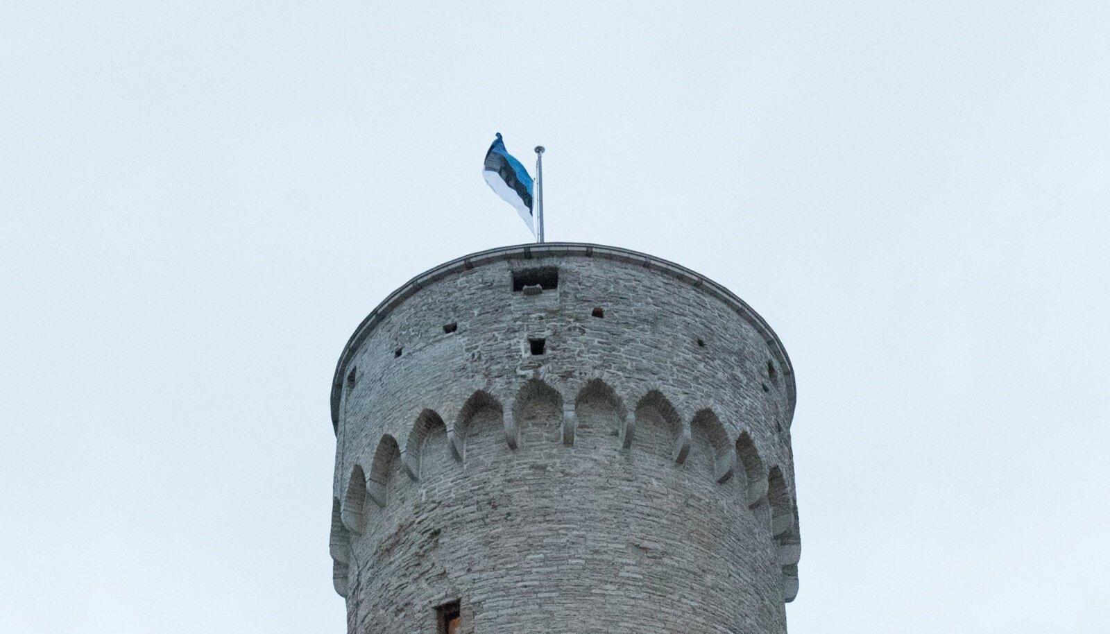 Nagu alati 24. veebruaril, heisatakse ka seekord hommikul pidulikult Eesti riigilipp Pika Hermanni torni.