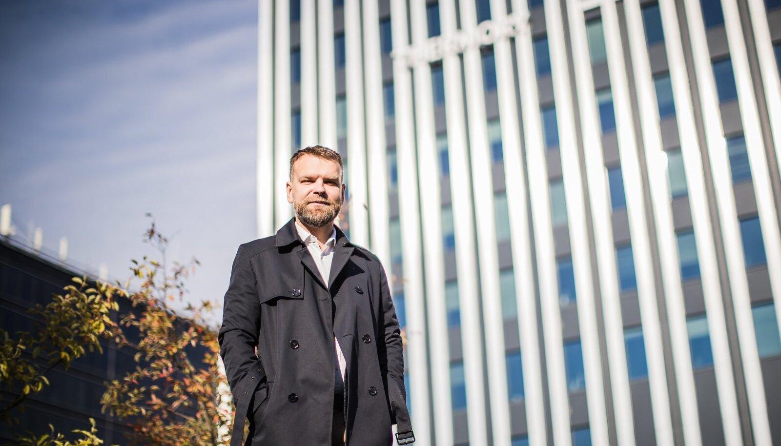 Kinnisvarafirmade liidu juhatuse esimees ja AS-i Technopolis Ülemiste juht Gert Jostov ütleb, et detailplaneeringu kehtestamine võib võtta aega aastaid, isegi üle kümne aasta. Väidetavasti erineb planeeringuga ja ilma selleta maatükkide hind siiski nii palju, et see risk tasub end ära.