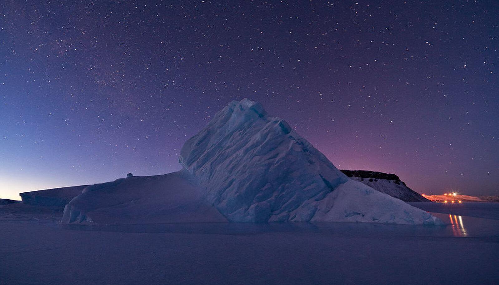 Illustreeriva tähendusega foto jäämäest Gröönimaa lähedal. (Wikimedia Commons / NASA / Jeremy Harbeck)