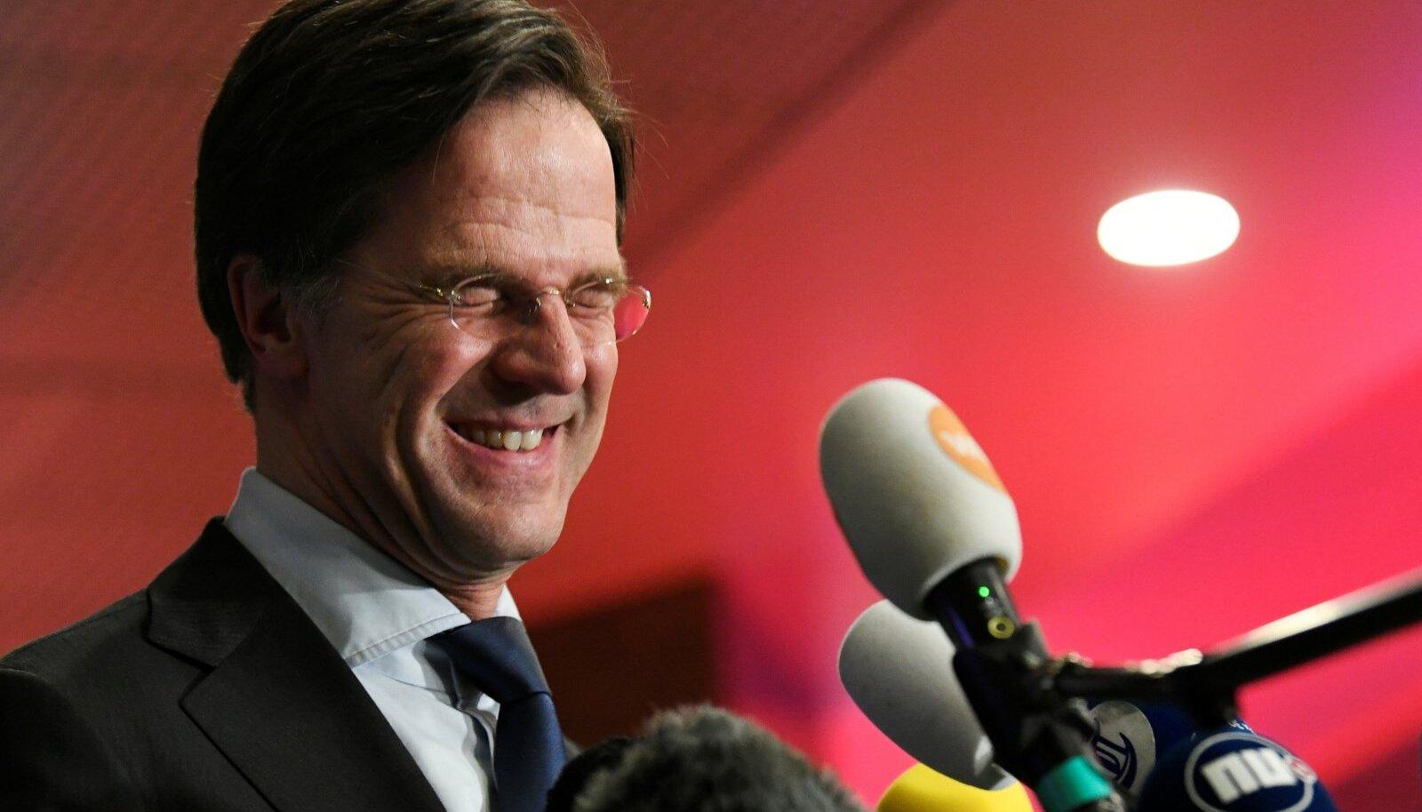 SEENIORIDE KLUBIS: Pärast Angela Merkeli erruminekut tõuseb Mark Rutte teiseks kõige kauem võimul olnud Euroopa Liidu valitsusjuhiks. Esikoht on ungarlasel Viktor Orbánil.