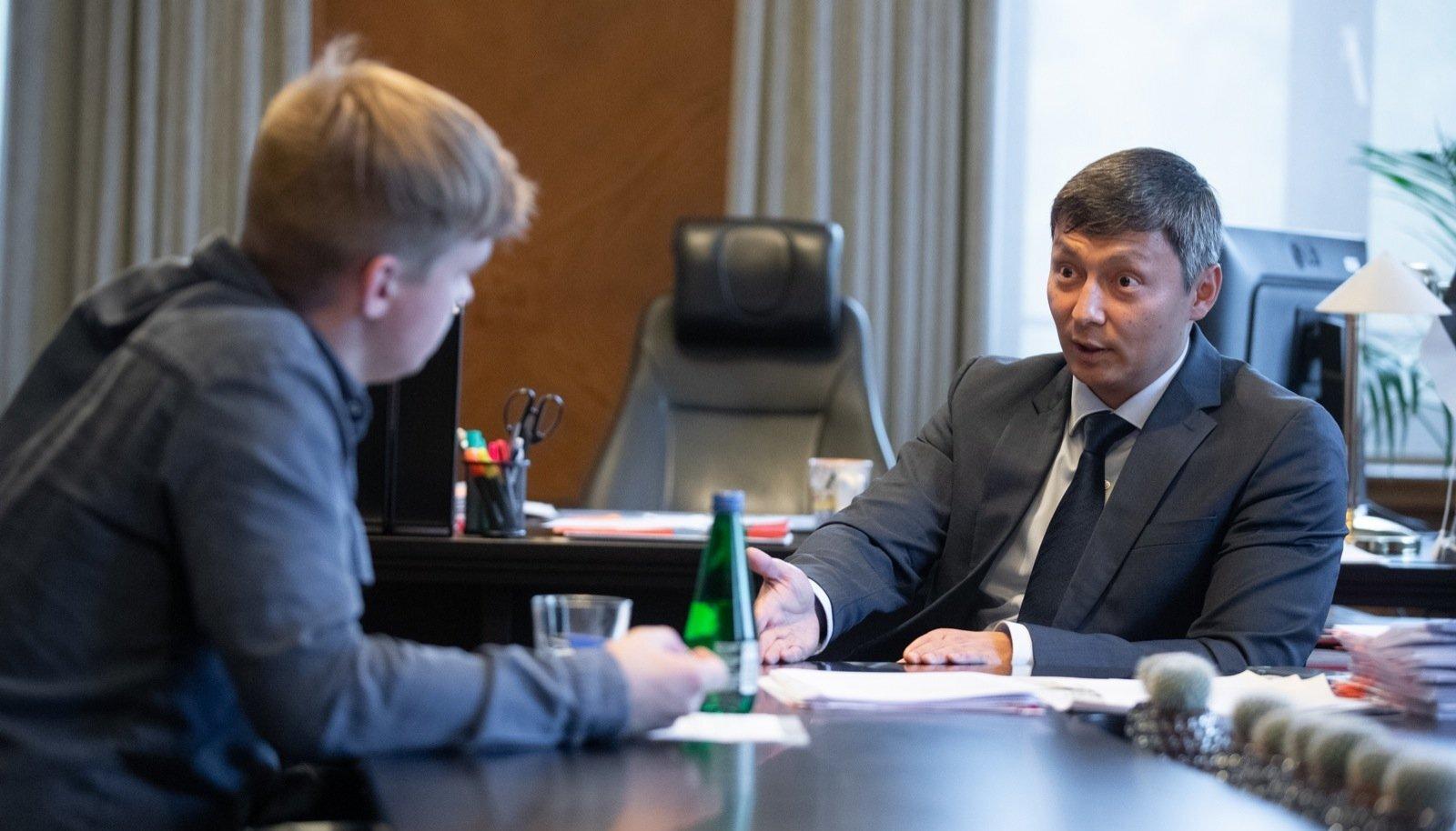Mihhail Kõlvart on Tallinna linnapea kabinetis istunud täpselt pool aastat.