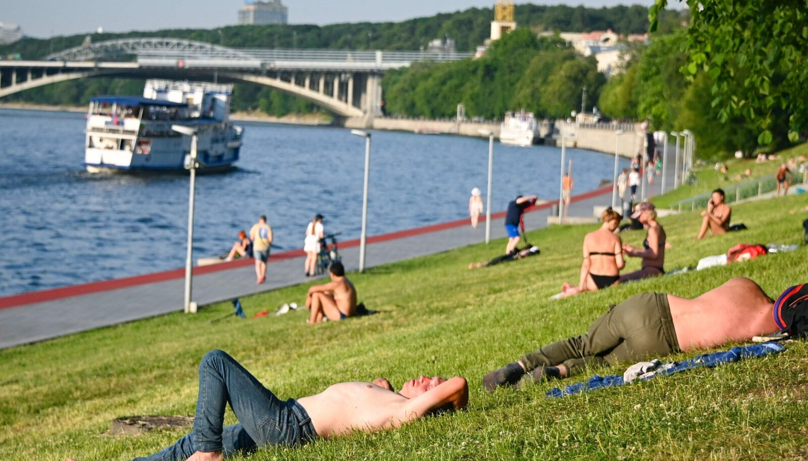 Eile päeval avanev vaatepilt Moskva jõe kaldal.