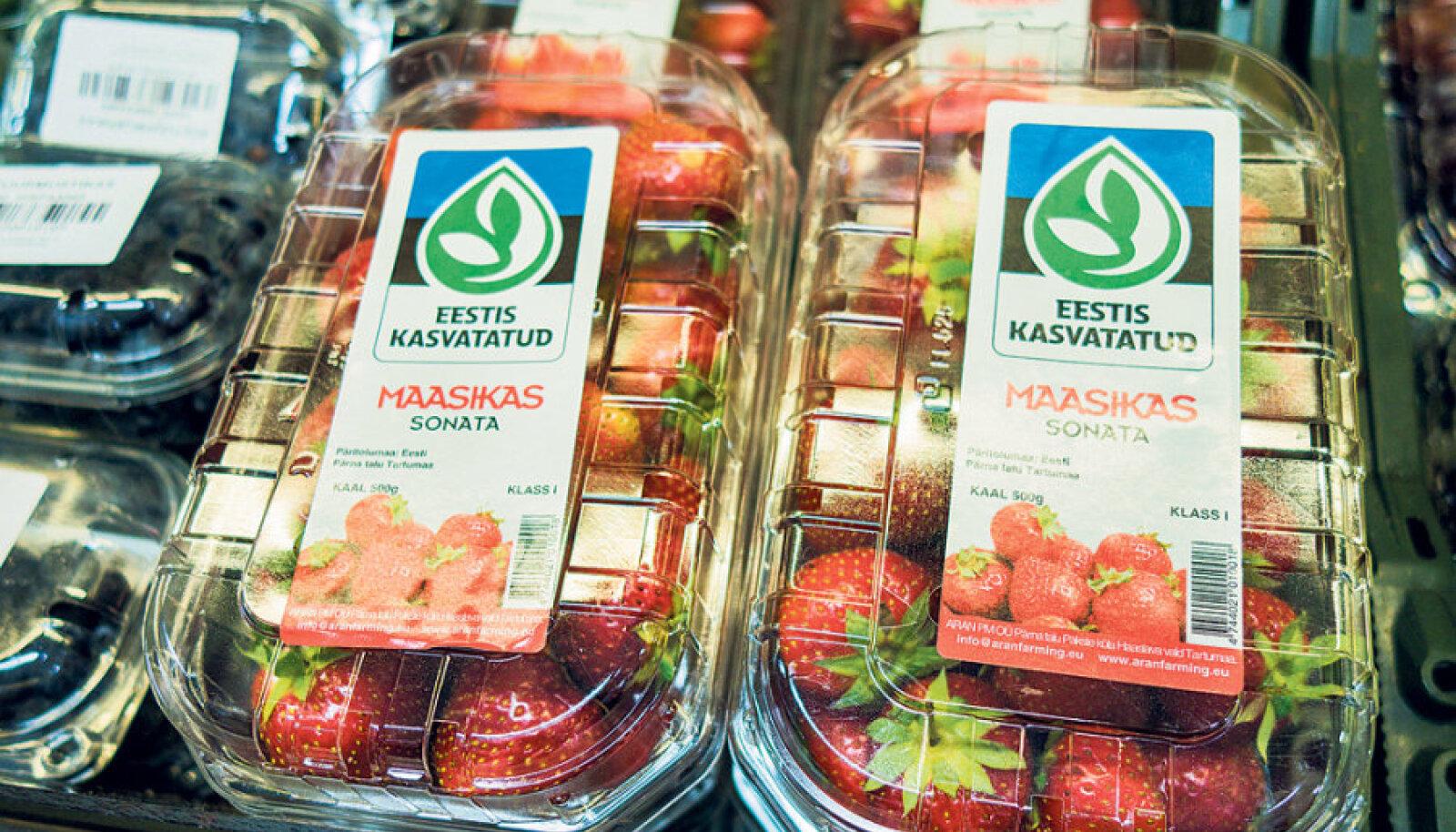 """Logoga """"Eestis kasvatatud"""", Tartumaalt Pärna talust pärit suured punased maasikad on eelmisest nädalast Rimides müügil."""