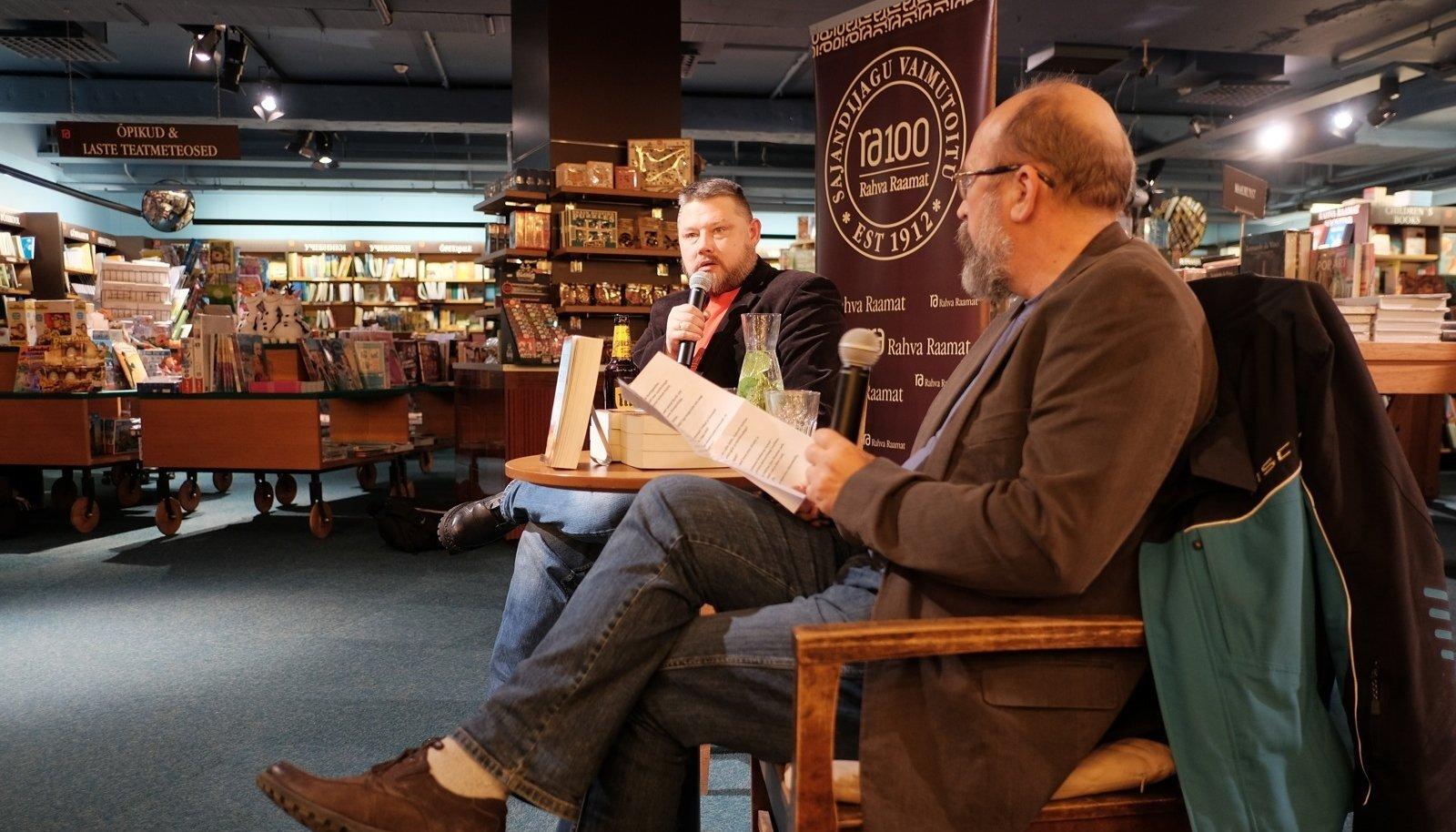 Indrek Hargla (vasakul) vastas neljapäevasel esitlusel Jaan Martinsoni küsimustele.