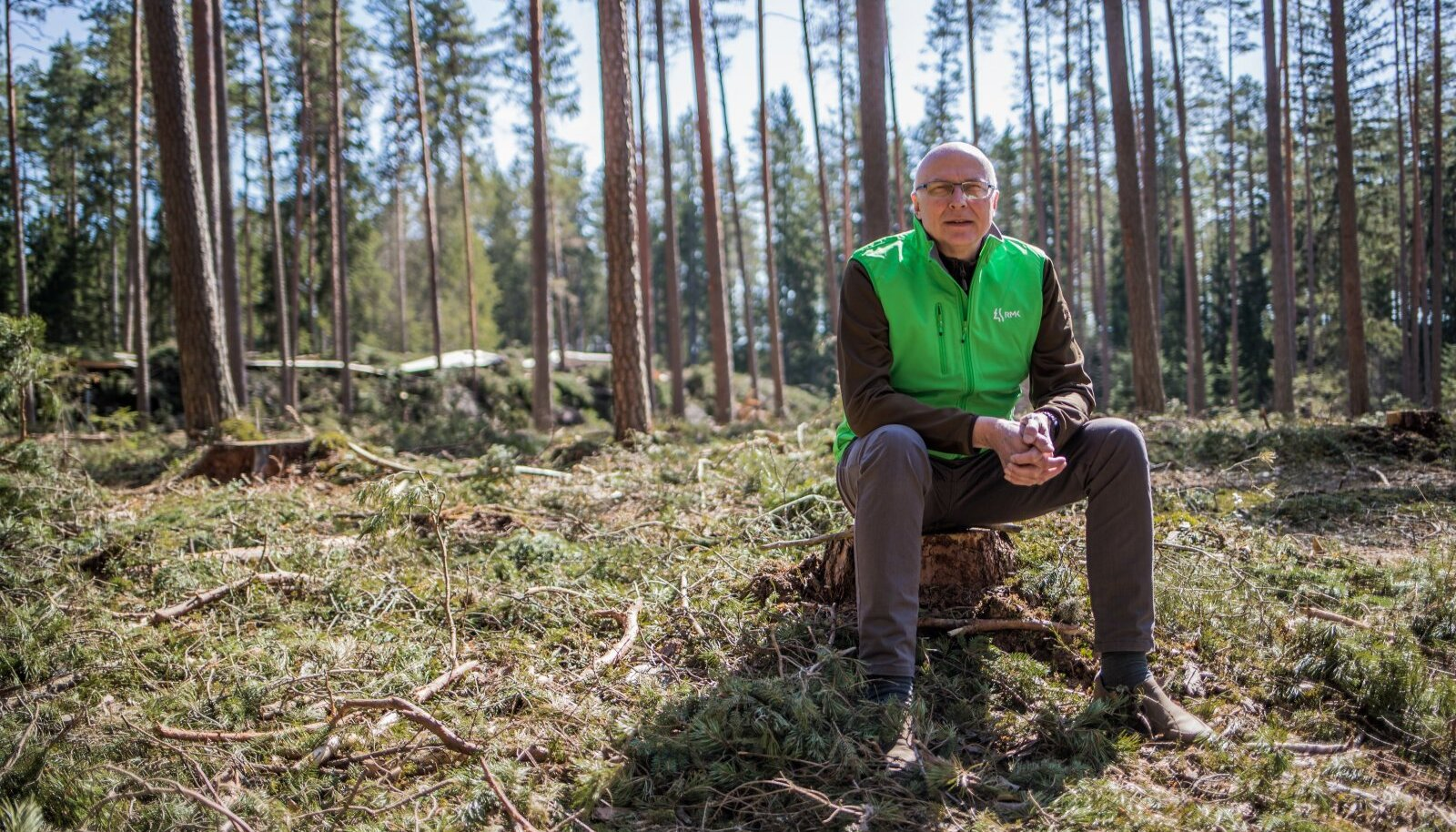 RMK peametsaülem Andres Sepp räägib, et enne metsatöid Palojärve puhkealal oli osal inimestel hirm, et puhata seal küll enam ei saa. Nüüd võib igaüks minna Põlvamaale vaatama, kas saab või ei saa.
