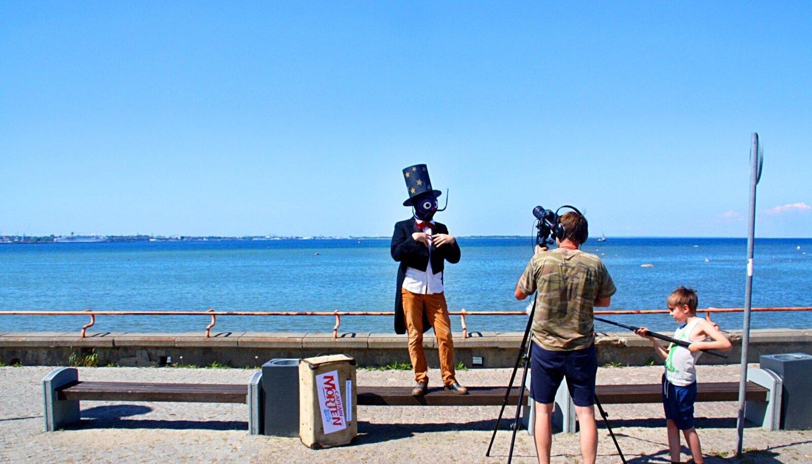 TEEKOND ALGAB: Maestro Cucaracha otsib teed Zagrebi.