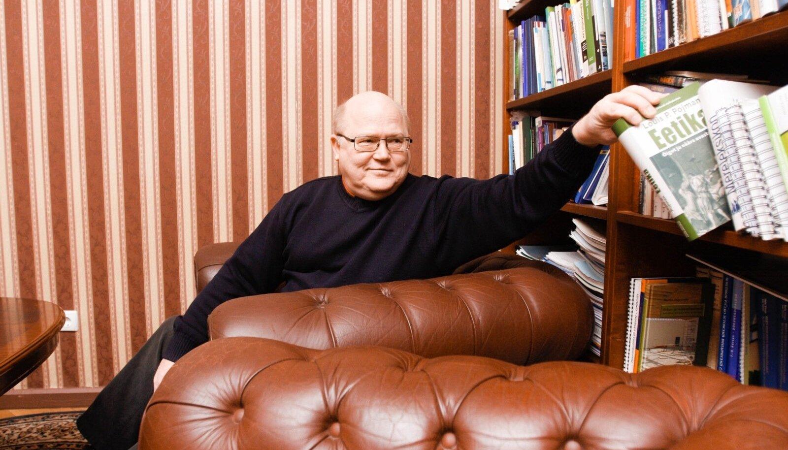 Urmas Arumäe on Helsingis toimuva majandusõppe juht.