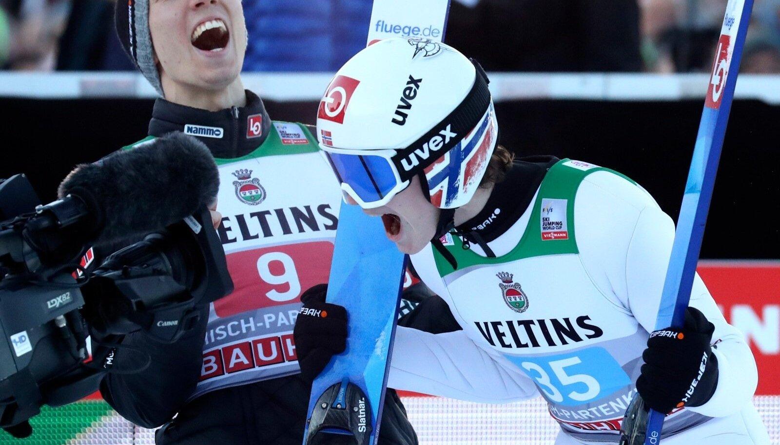 Marius Lindvik võitu tähistamas.