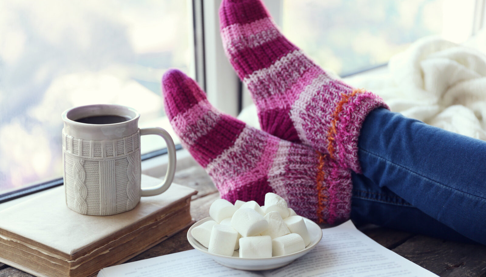 Külmal talvel on abi nii soojast joogist kui ka villastest sokkidest. Isegi üks ainus sokk võib olla oluliselt abiks aga mitte jalga pannes.