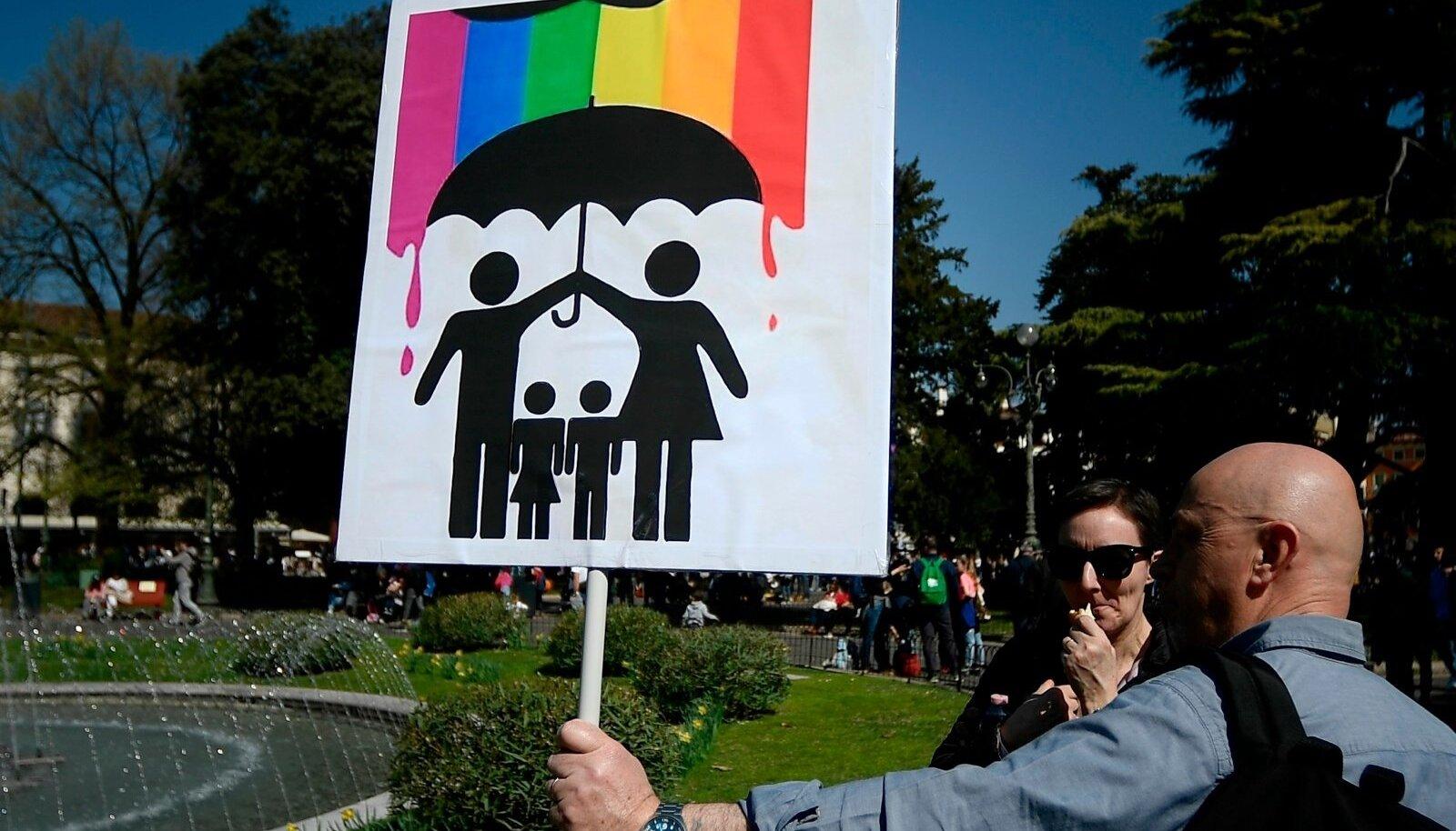 Homovastased loosungid Veronas toimunud Maailma Perede Kongressil (WCF).