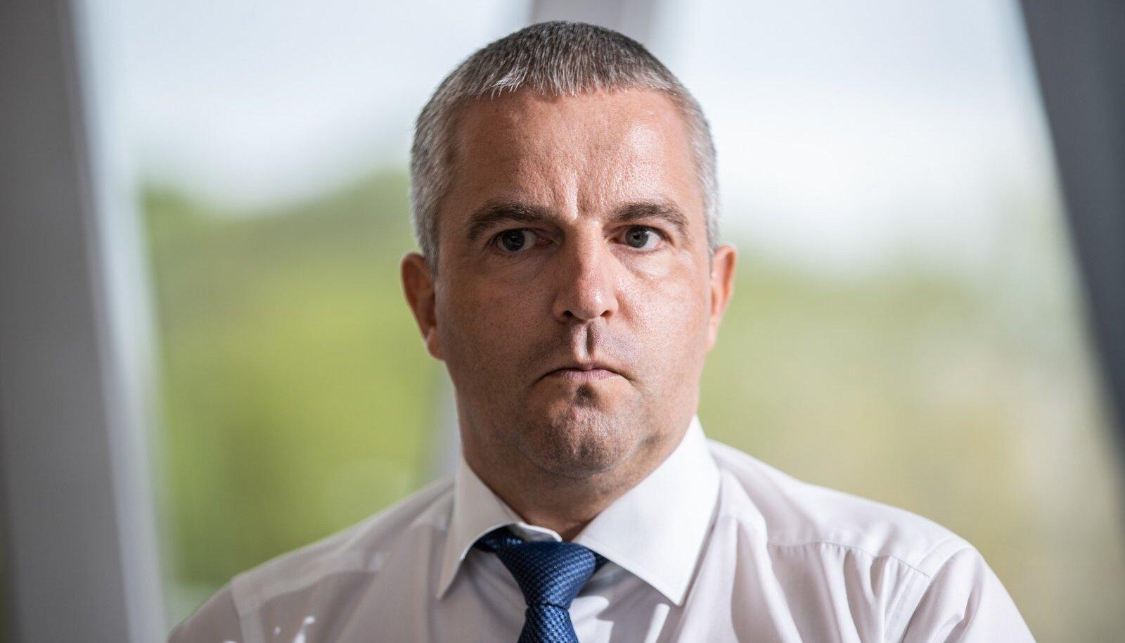 RIIK POLNUD VALMIS: Tallinki juht Paavo Nõgene pole rahul, kuidas Eesti on oma elanike vaktsineerimisega toppama jäänud.
