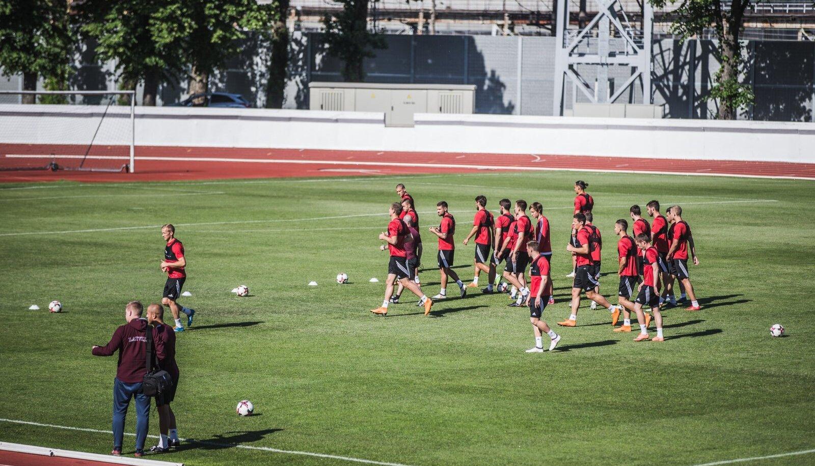 Läti jalgpallikoondise treening.