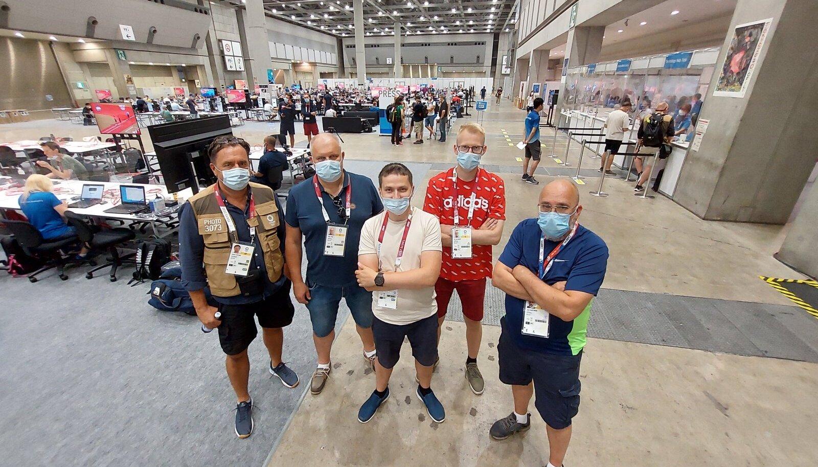Meie olümpiakoondis Tokyos: vasakult Andres Putting, Peep Pahv, Gunnar Leheste, Ats Kuldkepp ja Jaan Martinson.