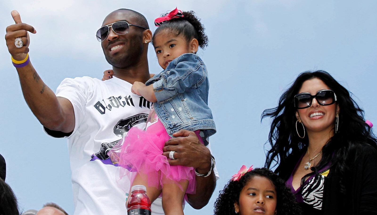 Kobe Bryant oma perega