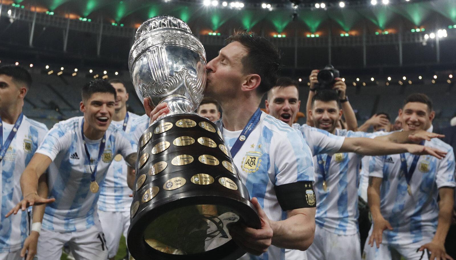 Lionel Messi Copa America karikaga.
