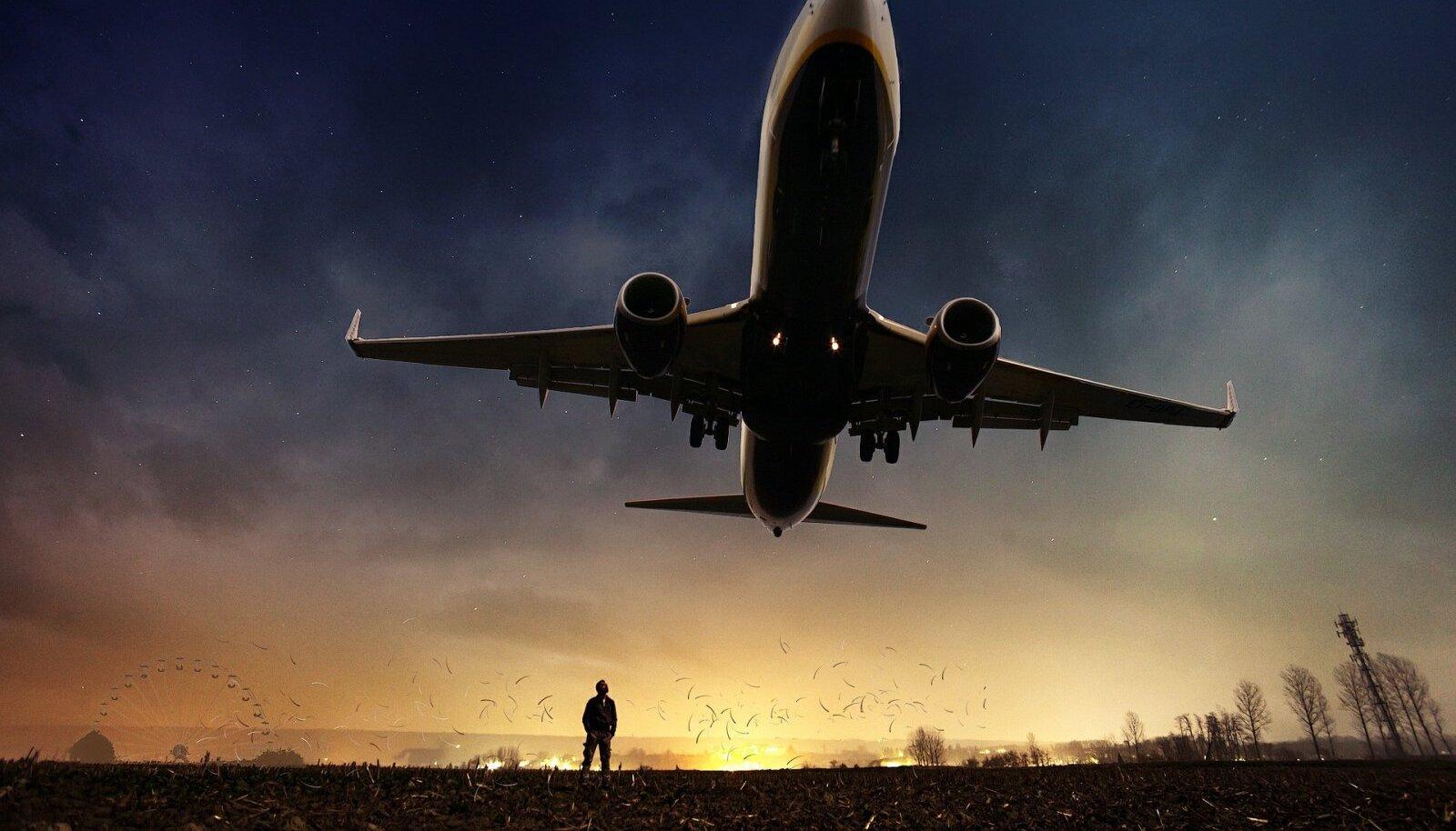 Illustratiivne pilt reisilennukist (Foto: Pixabay / ThePixelman)