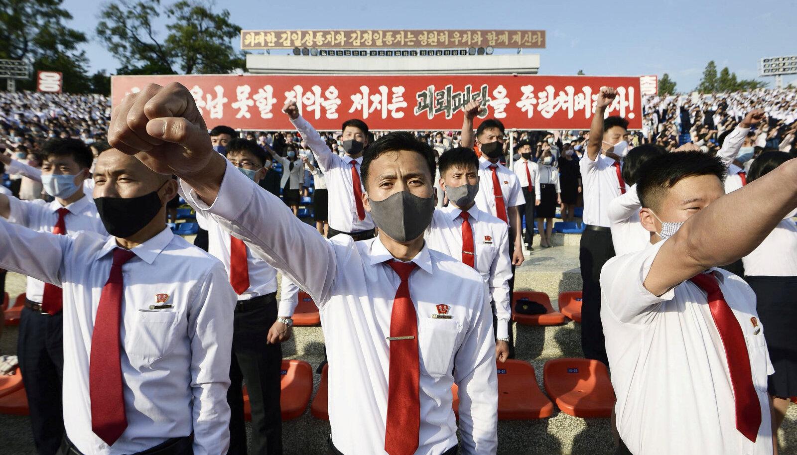 Põhja-Korea noored avaldasid sel kuul pealinnas meelt lõunanaabri lendlehtede vastu.