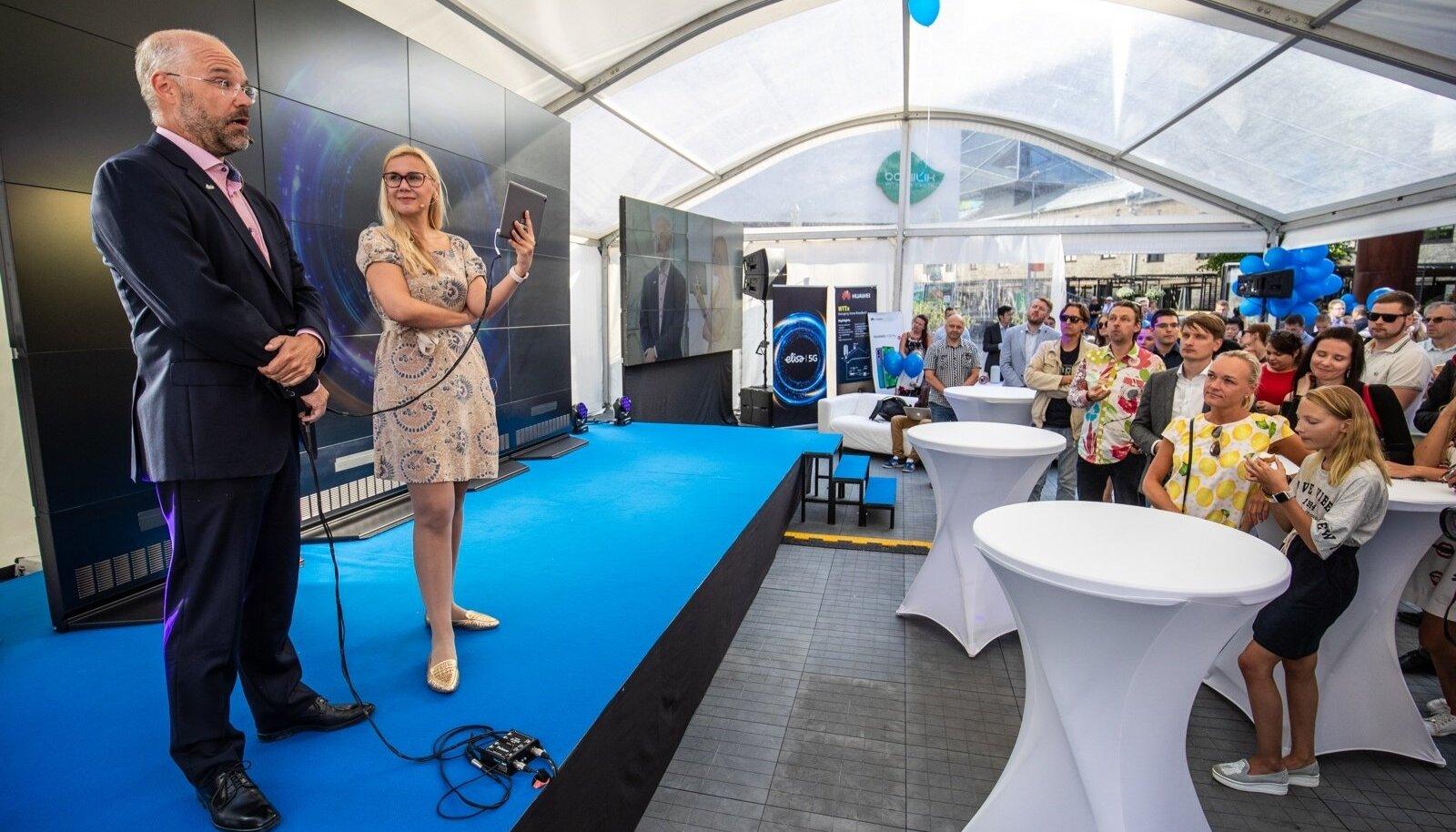 Elisa sõnul on nendel püsiv võrk Rotermanni kvartalis üleval alles sellesuvisest üritusest, mille käigus majandus- ja taristuminister Kadri Simson tegi Eesti esimese rahvusvahelise 5G kõne