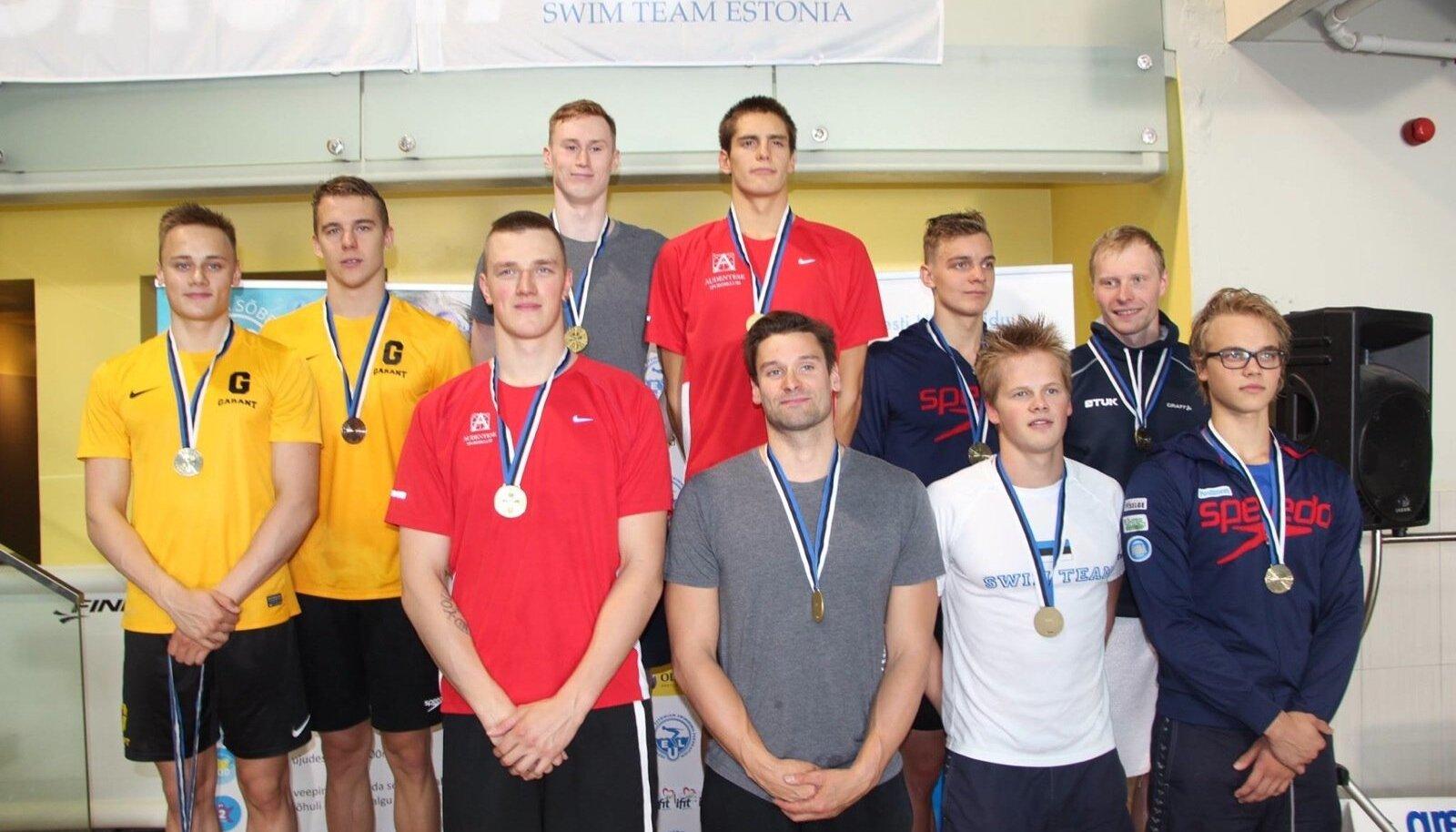 Audentese Spordiklubi kuldne nelik koosseisus Ralf Tribuntsov (üleval paremal), Henri Reinsalu (üleval vasakul), Martti Aljand (all paremal) ja Pjotr Degtjarjov (all vasakul).