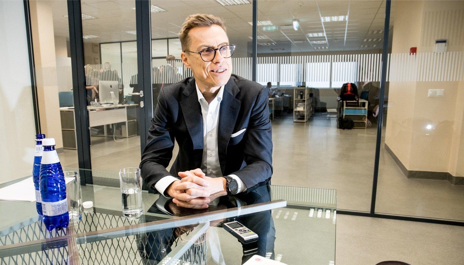 Euroopa Investeerimispanga (EIB) asejuht Alexander Stubb käis Tallinnas töö tõttu, sest Eesti ettevõte Elcogen sai EIB-lt 12 miljonit eurot laenu.