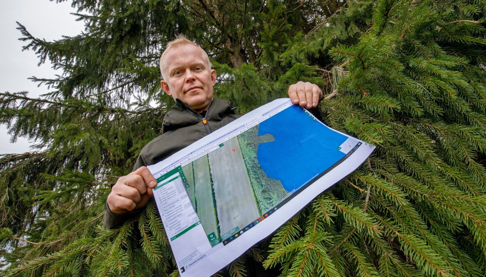 Heiki Hanso näitab maa-ameti kaarti, millelt on näha, kuidas planeeritav kaitseala tema maasse sisse lõikab. Keskkonnaamet ei ole Hansole oma plaanidest teada andnud, vaatamata sellele, et kaitseala moodustamine algatati 2010. aastal.