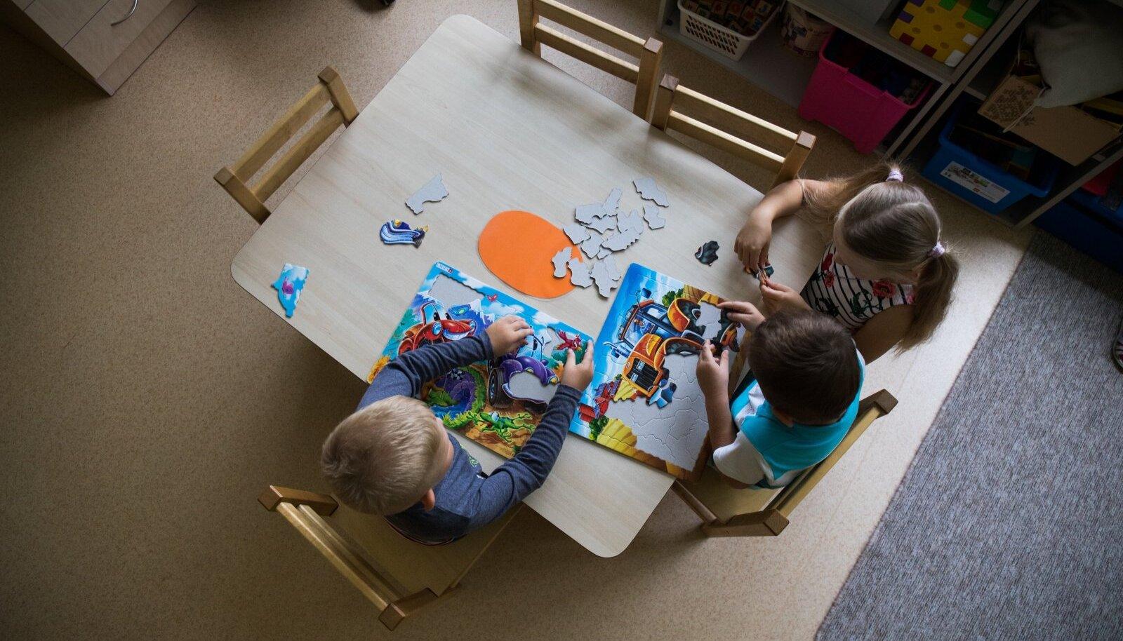 Eelnõu järgi pakub lasteaiakoha omavalitsus ja vanemal jääb üle see vastu võtta või keelduda.