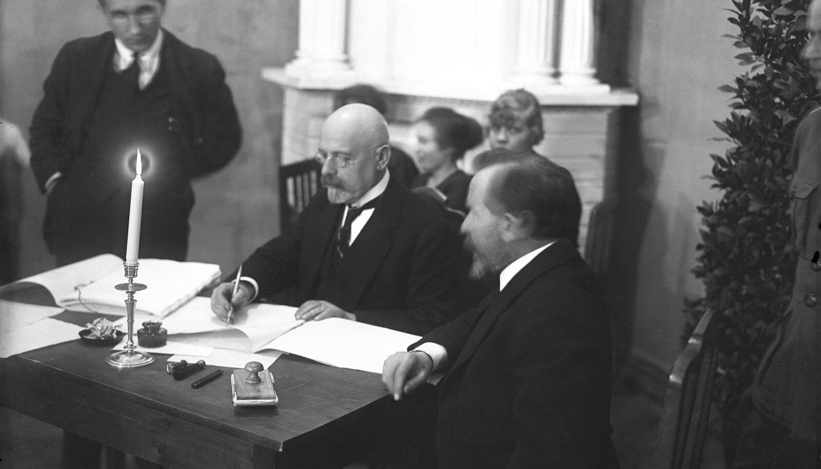 VÄÄRIS NOBELIT: Varakevadel 1922 esitati Eesti valitsus Tartu rahulepingu sõlmimise eest Nobeli rahuauhinna kandidaadiks.