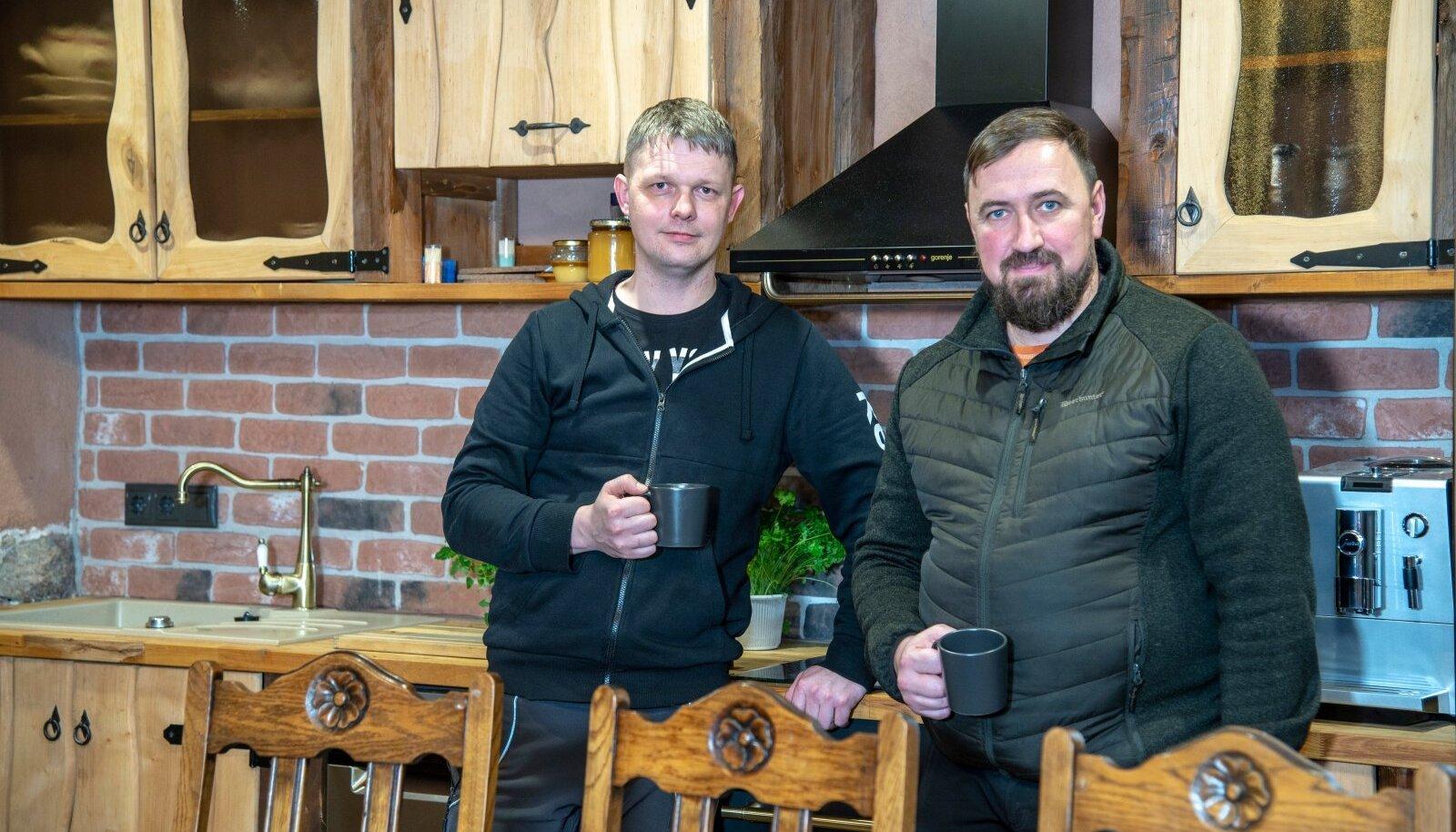 Andres Täpsi ja Lauri Uibopuu on kälimehed. Nende ühine firma Lauer Ehitus taastab vanu maju.