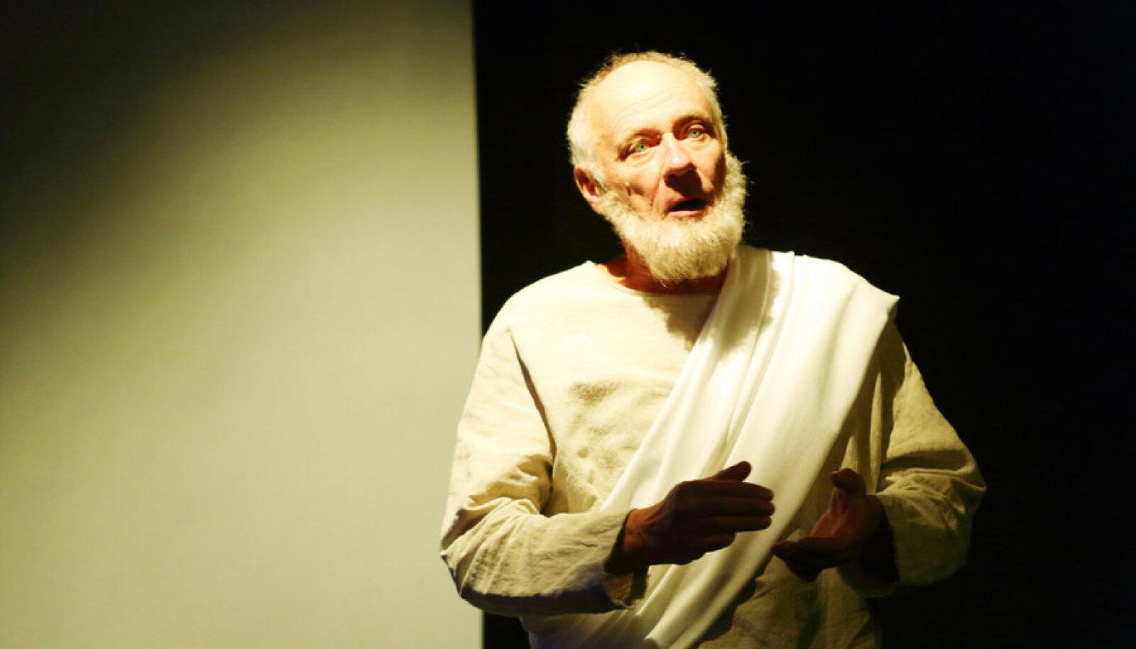 Raivo Trassi Sokratese roll tekitab isu näitlejat veel mõnes teatritöös näha.