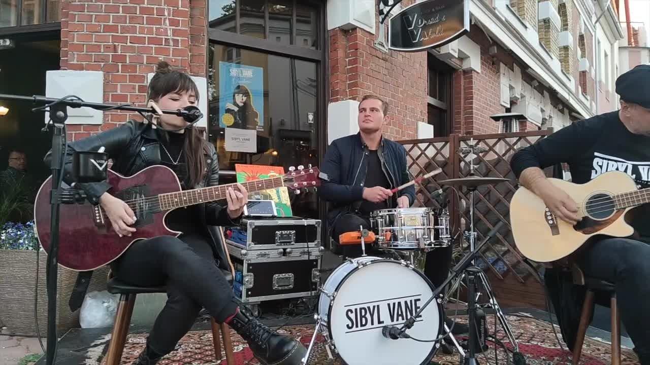VIDEO JA FOTOD | Tuletantsijatest tsirkuseartistideni:  Pärnus nägi tänavakultuuri pärle