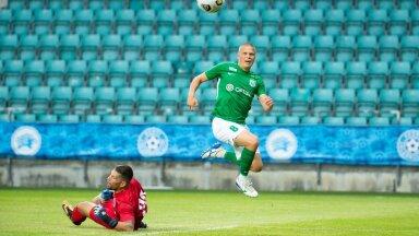 Henrik Ojamaa naaseb Varssavi Legia kodustaadionile.