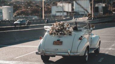 ФОТО   Так трогательно! Супруги воссоздали собственные свадебные фотографии 50 лет спустя