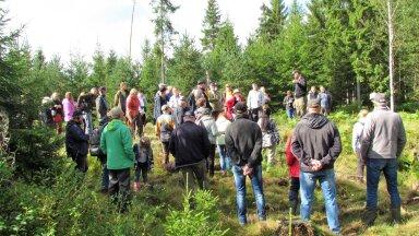 Leili metsalood | Metsaomanikud üle Eesti kohtusid Vändra metsas