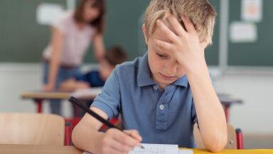 Miks algavad koolitunnid ikka veel kell 8? Stressis ema: koolilt on alati sama vastus, et nii on alati olnud!