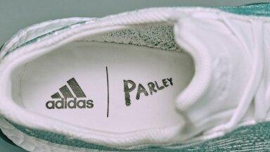 Adidase uued plastikust jalanõud