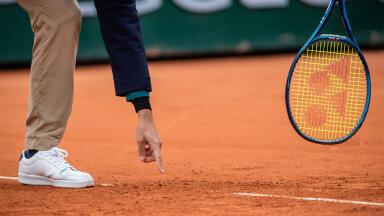"""KUULA   """"Matšpall""""   Miks Nadal esireketit sedasi häbistas? Kuidas näeb joonekohtuniku töö välja koroonapandeemia tingimustes?"""