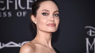 FOTO | Angelina Jolie kandis alanud suve suurimat teksatrendi
