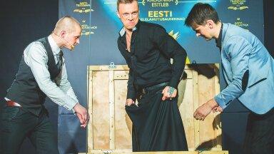 HOOKUS POOKUS Galal tegid trikke mustkunstnikud Charlekas ja Meelis Kubo, näiteks kaotasid ära Tanel Padari.