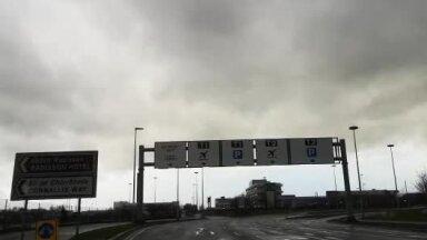 Saabumine Dublini lennujaama, kus ootasid vilkuritega politseiautod