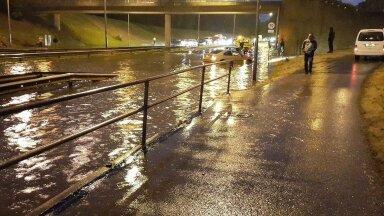 Karm reaalsus on, et sajandi lõpus kimbutavad meid üha sagenevad üleujutused. Uputus Tallinnas Tammsaare teel raudteesilla all