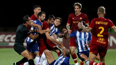 AS Roma ja FC Porto meeskondade vahel tekkinud rüselus.