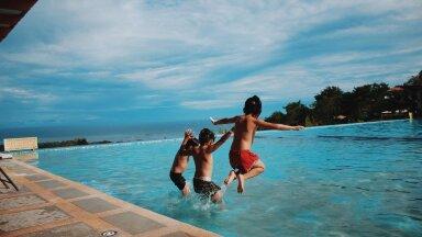 Безопасное купание: 15 главных правил поведения на воде для детей