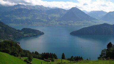 Vaade pronksiaegset küla peitnud järvele (foto: Wikimedia Commons / Andrew Bossi)
