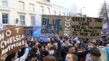 Londoni Chelsea fännid protestisid reedel häälekalt Superliiga vastu. Peagi said nad ka oma tahtmise.