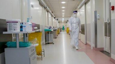 Saates oli juttu sellest, et mõnel pool on Covid-osakondadesse suunatud tööle vaktsiinieitajad, kes ei saaks mujal haiglas viibivaid, aga mitte koroonahaigeid, patsiente edasi nakatada