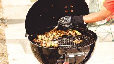 NIPP | Kodused vahendid, mille abil saad grilli külge kõrbenud toidujäägid kiiresti ja efektiivselt eemaldada