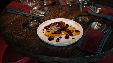 """""""Голый"""" бургер и полярный хлеб с королевскими креветками. Чем проадует неделя ресторанов ToiduNautleja в Таллинне?"""