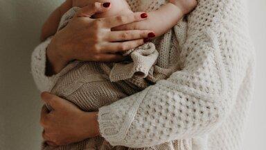 Незнакомка спасла жизнь задыхавшемуся на руках запаниковавшей матери младенцу