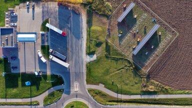 Alexela esimene tankla, mis viidi päikeseenergiale üle, asub Jõgeval.